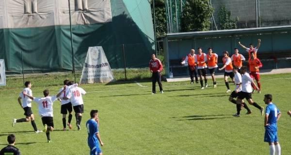 """Giovedi' 17 aprile 2014 Campionato Nazionale Serie""""D""""Giana Erminio - Pro Dronero 0-1 Garavelli ha appena portato in vantaggio i Draghi"""